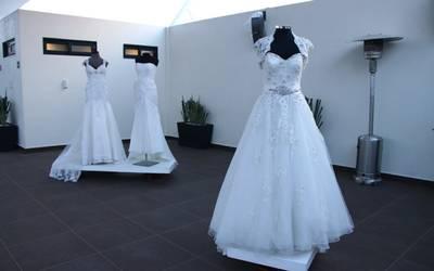 Celebran Subasta De Vestidos De Novia Con Causa Para Los Más
