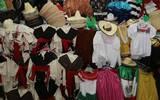 d1bf9c478 En estos lugares puedes comprar un atuendo para lucir bien mexicano ...