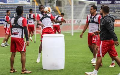 2e04b5c81f3c5 Lobos busca someter al sublíder de la Liga Mx en el universitario - El Sol  de Puebla