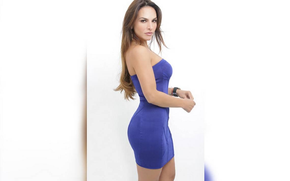 Fabiola Campomanes Nude Photos 37