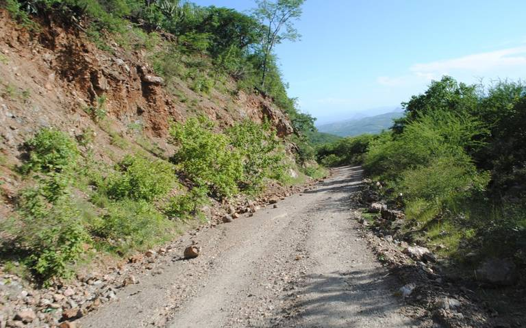 https://www.elsoldepuebla.com.mx/incoming/1mvluh-carreteras-mixtecas.jpeg/alternates/LANDSCAPE_768/CARRETERAS%20MIXTECAS.jpeg