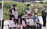 Los familiares de Juan Carlos N. llegaron al Centro de Justicia Penal de San Andrés Cholula, donde con una fotografía enmarcada del joven y la mayoría de ellos vestidos de blanco, pidieron justicia para el varón.
