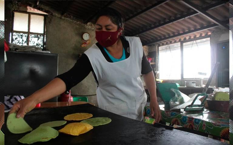 https://www.elsoldepuebla.com.mx/local/4rpohf-tortillas-hechas-a-mano-de-distintos-colores-y-sabores.jpg/alternates/LANDSCAPE_768/tortillas%20hechas%20a%20mano%20de%20distintos%20colores%20y%20sabores.jpg