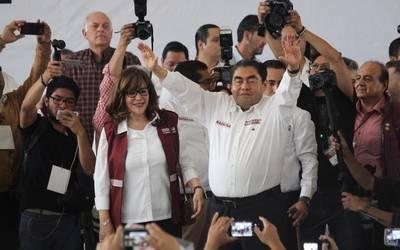 6e8348c77 Gabinete paritario y rediseño constitucional ofrece Barbosa en arranque de  campaña - El Sol de Puebla