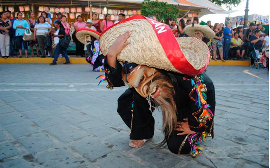 Danza de los Tecuanes de Acatlán de Osorio.