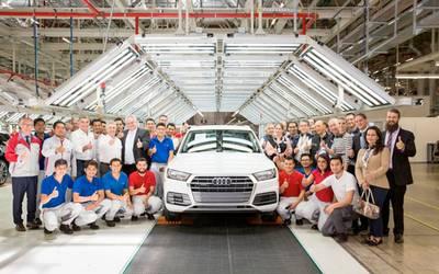 Audi San Jose >> Recorre Tony Gali Por Primera Vez La Planta Audi De San Jose